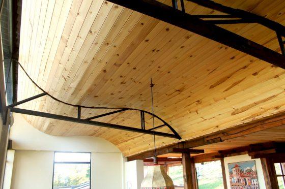Techo ondulado de madera