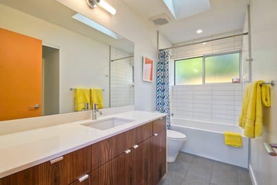 Diseño sencillo de cuarto de baño