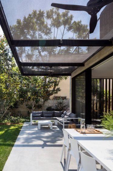 Diseño de techo con malla tupida para cubrir terraza