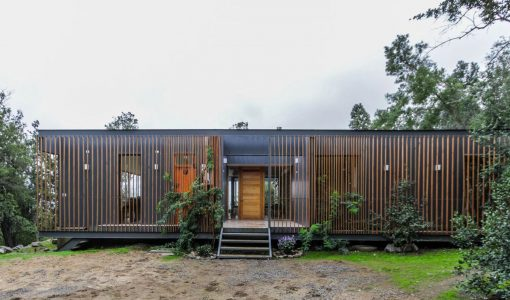 planos casa de campo moderna de un piso y tres dormitorios estructura de acero y acabados de madera