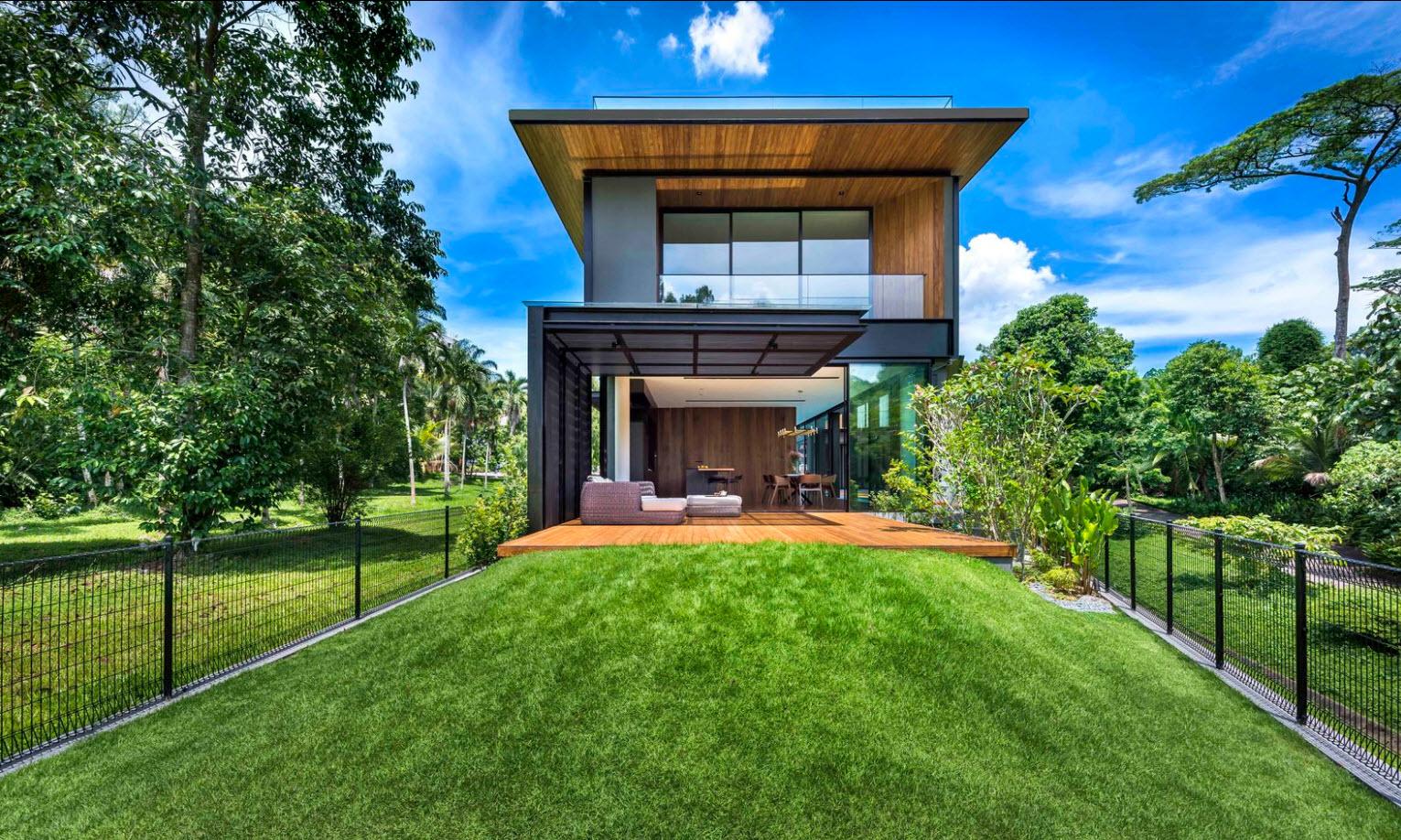 Fachada moderna casa dos pisos madera y metal