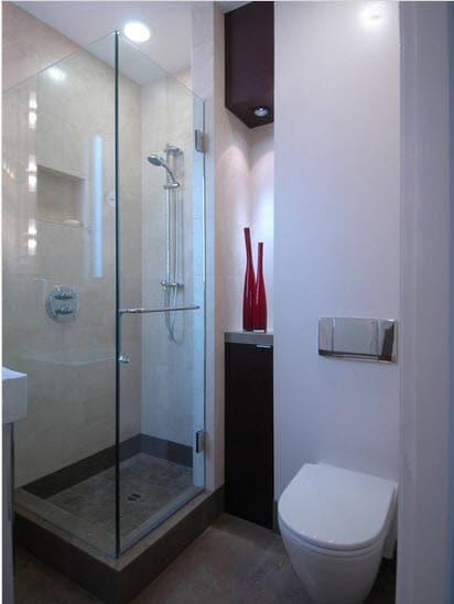Diseño de cuarto de baño cuadrado