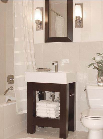 Un pequeño cuarto de baño elegante