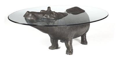 Diseño de mesa de vidrio con base de figura animal