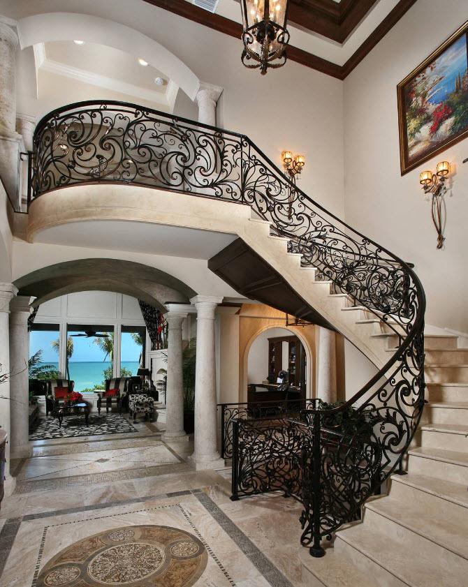 Diseño escaleras clásicas hierro y mármol