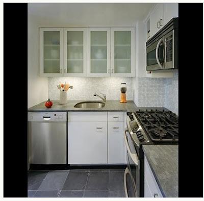 Diseño de cocina con iluminación artificial