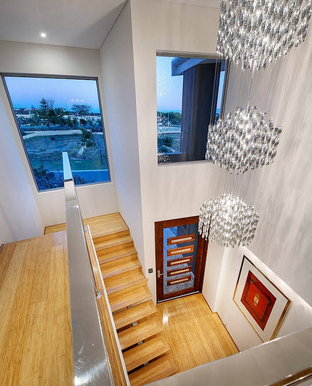 Fachada y dise o interior de casa moderna de dos pisos for Interiores de apartamentos