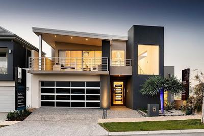 Fachada de casa moderna en color color gris, metal y vidrio