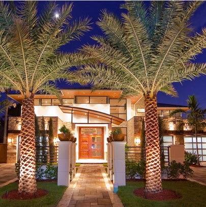 Fachadas de casas de lujo dise o l neas y estilos fotos for Fachadas de casas quintas modernas