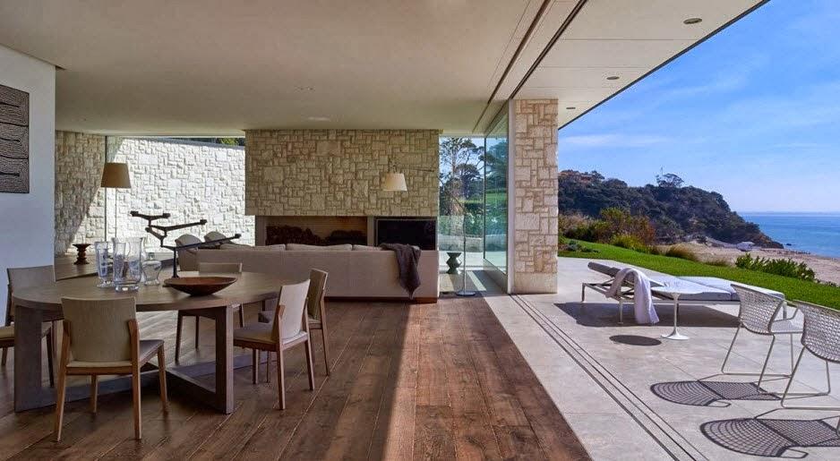 Fachada y dise o de casa moderna sobre acantilado frente for Casa moderna frente al mar