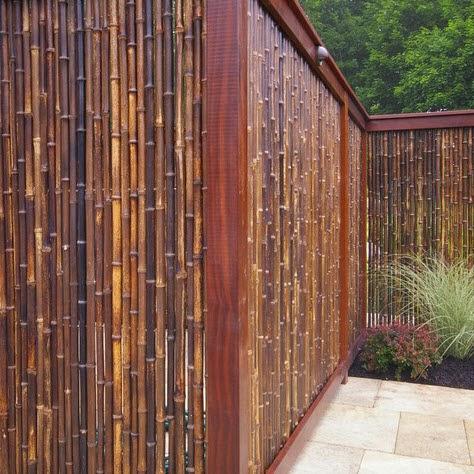 Cerco de casa de campo en bambú