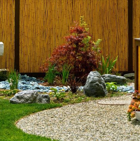 Cerco de bambú en jardin