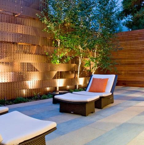 Moderno cerco de madera perforada para casa