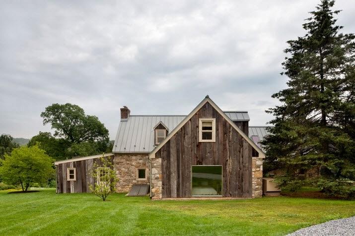 Remodelación de casa de piedra y madera en el campo [Proyecto de ...