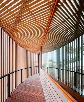 Diseño de pasaje hecho de varillas de madera