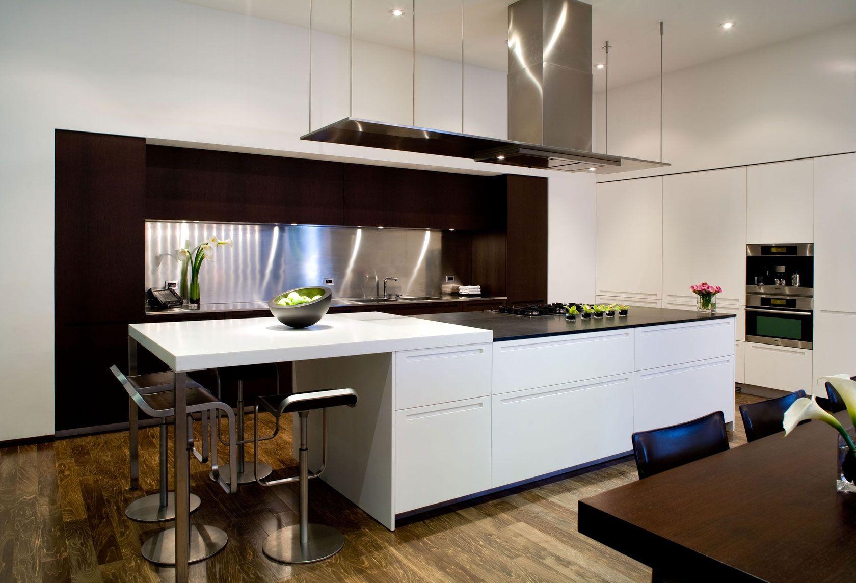 Dise o de moderna casa de dos pisos planos construye hogar for Kitchen designs rectangular space