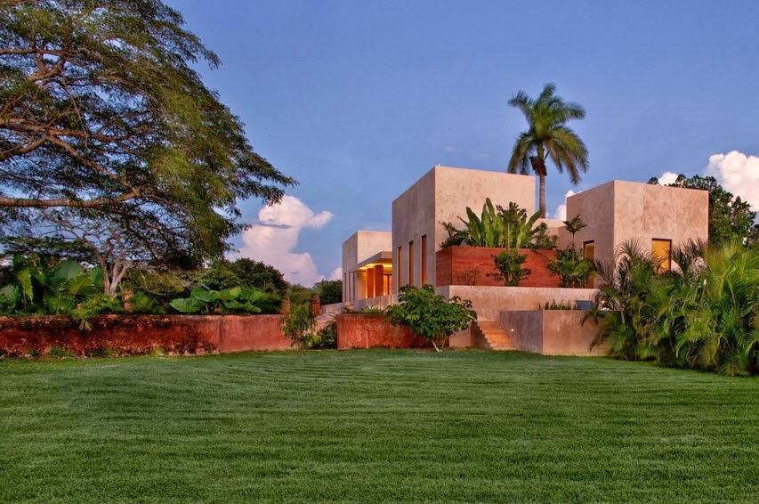 Dise o de moderna casa hacienda fachada y dise o de for Disenos de jardines para casas modernas