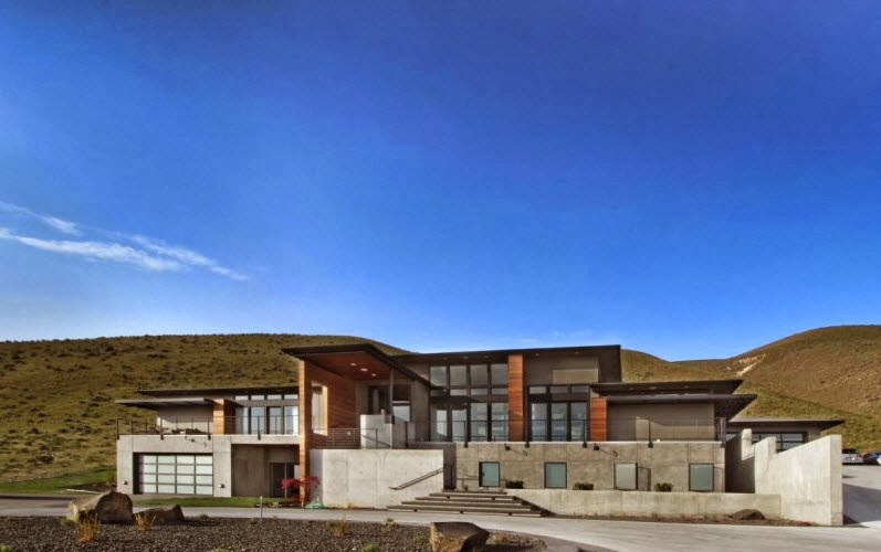 Dise o de casa grande en la monta a con moderno dise o - Casas en la montana ...