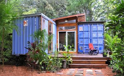 Ingreso de la casa reciclada hechos de container
