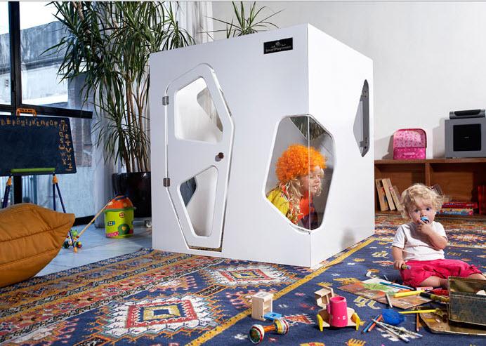 Diseño de casa pequeña para niños color blanco