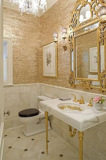 Diseño de elegante cuarto de baño estilo antiguo