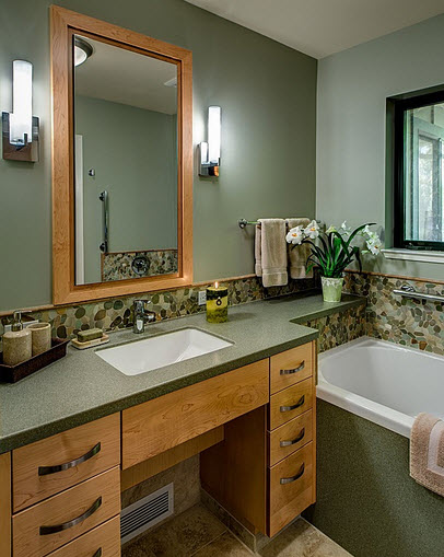 Diseño de cuarto de baño con tablero verde y madera
