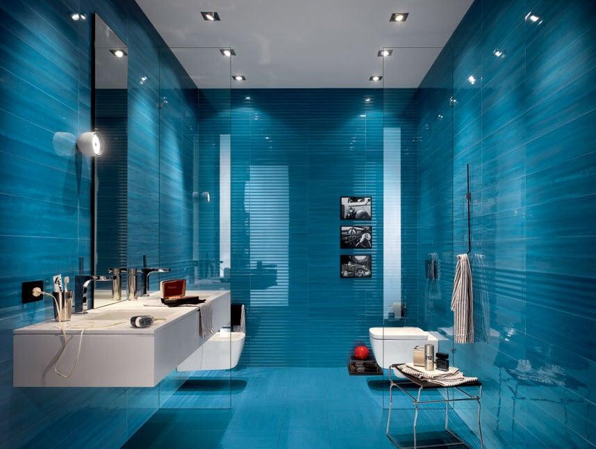 Diseño de cuarto de baño con cerámicas azules