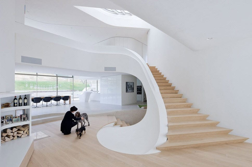 dise o de casa ultra moderna con estructura org nica. Black Bedroom Furniture Sets. Home Design Ideas