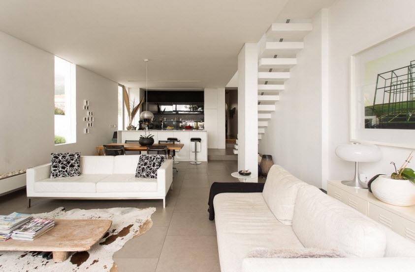 Diseño de la sala de la casa angosta