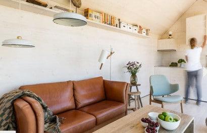 Diseño de sala economica y pequeña de casa transportable