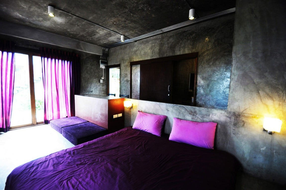 Casa peque a y econ mica de hormig n de dos pisos - Decoracion economica de interiores ...