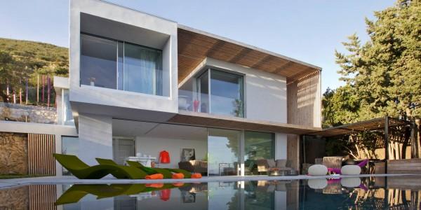 Casa de dos pisos en la playa incluye fachada y dise o de for Disenos de fachadas de casas de dos pisos