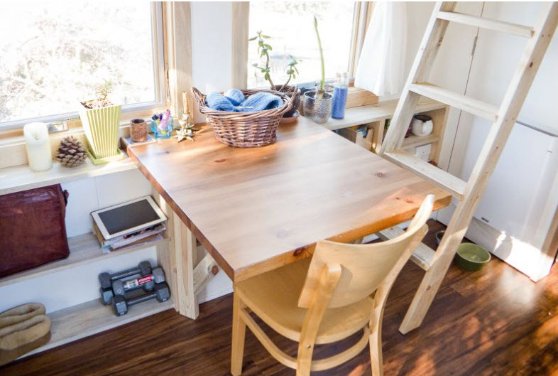 Dise o de peque a casa rodante de madera y dise o de interiores construye hogar - Mesa comedor pequena ...