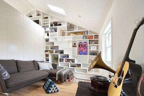 Diseño de sala del mini apartamento en color blanco
