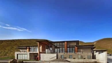 Photo of Diseño de casa grande en la montaña con moderno diseño