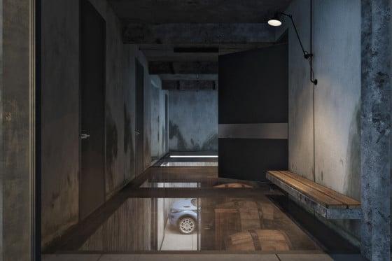 Diseño de pasadizo estilo industrial