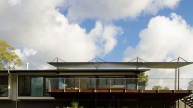 Photo of Diseño de casa moderna en terreno largo y angosto