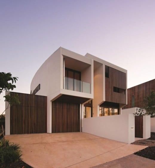Perfil de moderna casa de dos pisos de hormigón