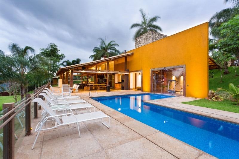 Dise o de casa de campo planos interior y fachadas for Modelos de piscinas de campo