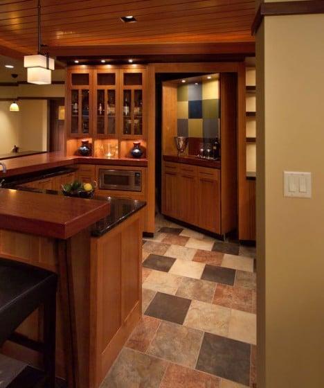Cuarto oculto en mueble de cocina