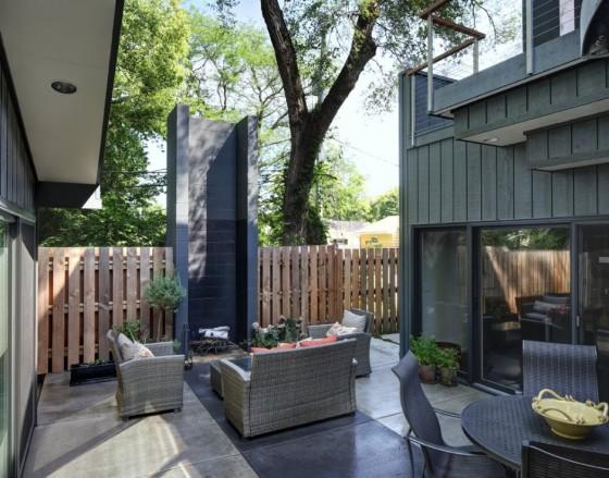 Diseño de chimenea en patio de casa