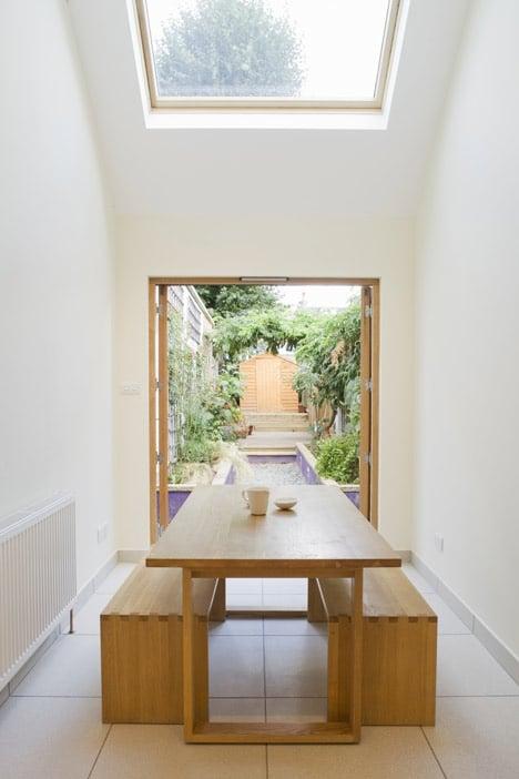 Casa en terreno angosto planos y dise o de interiores for Casas angostas y largas interior