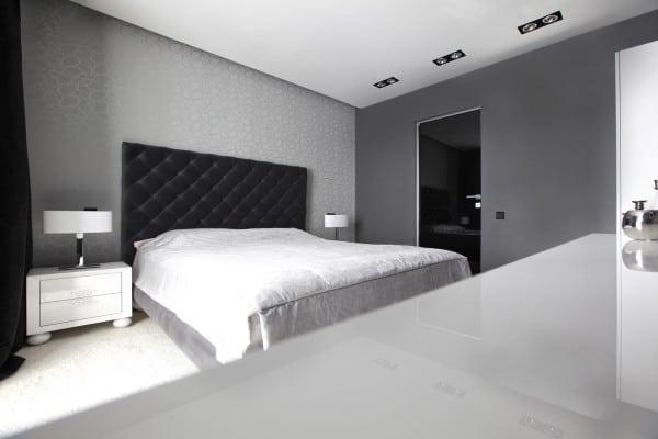 Dise o de moderno apartamento en color blanco y negro for Dormitorio para padres en blanco y negro