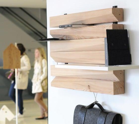 Diseño de estante de madera para libros original