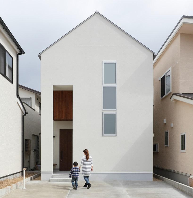 Planos de casa de dos pisos con fachada y dise o interior for Diseno de interiores de casas pequenas modernas