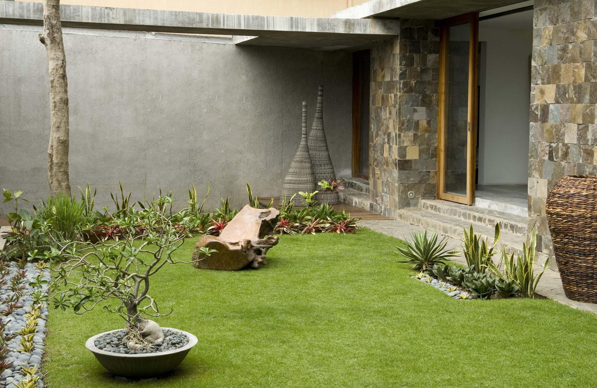Dise o de casa r stica fachada interiores y planos for Diseno de jardines frentes de casas