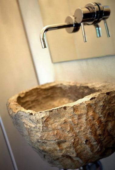 Diseño de lavabo rústico de cuarto de baño