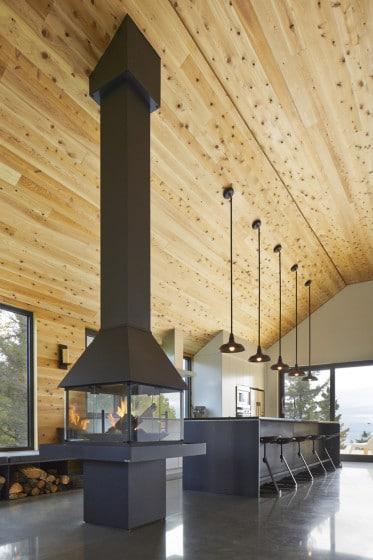 Diseño de moderna chimenea en la sala cocina