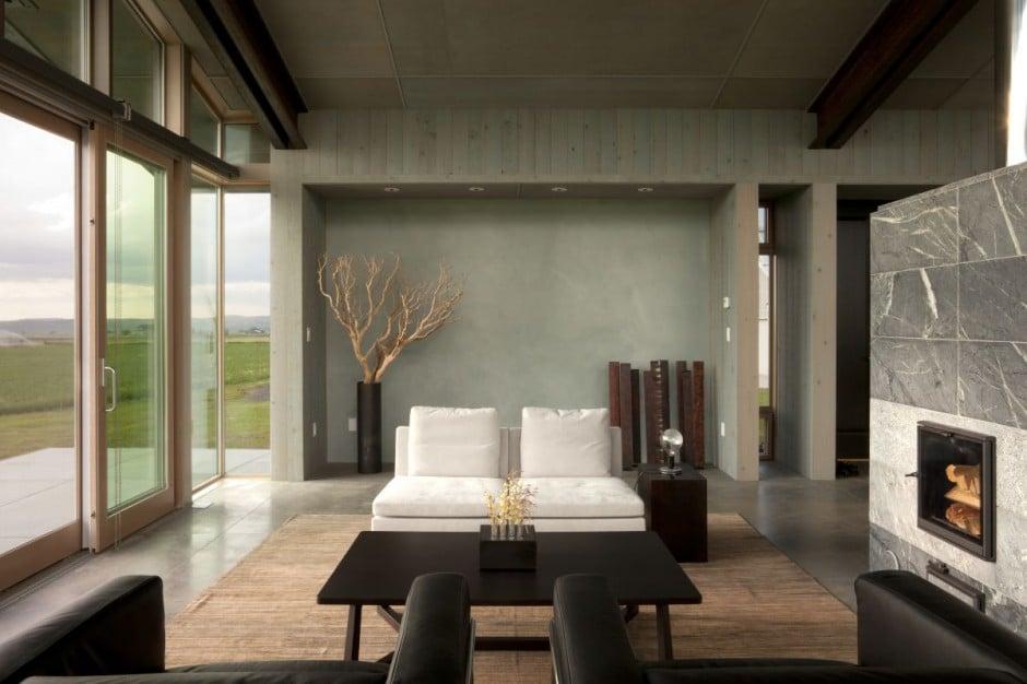 Dise o de moderna casa peque a con grandes ventanas for Disenos de salas para casas pequenas
