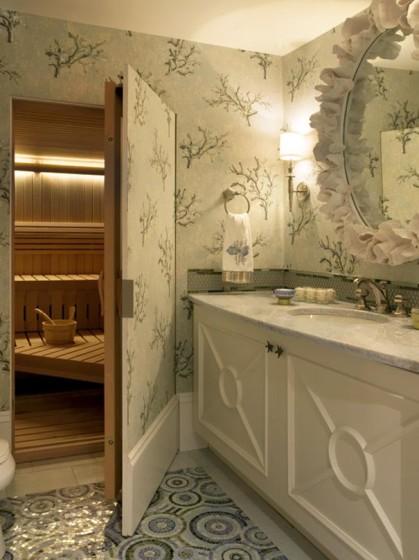 Diseño de sauna oculto dentro de baño
